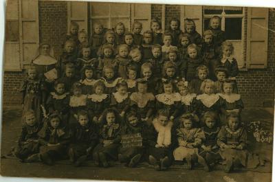 School, Oostnieuwkerke, 1912(?)