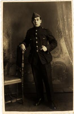 Militairen in uniform, begin 1900