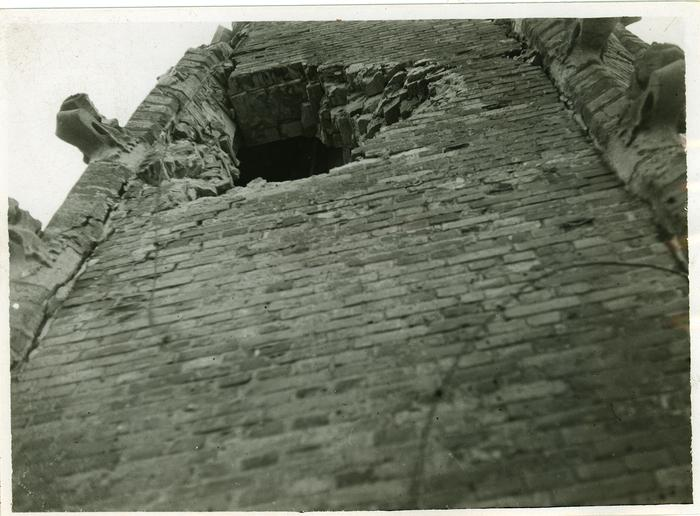 Beschadiging en herstelling kerktoren Rumbeke, na WOII