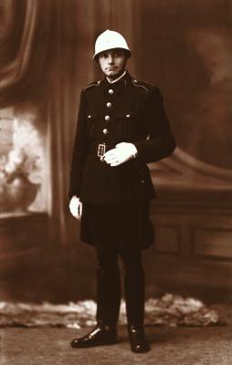 Agent Lakiere, 1942