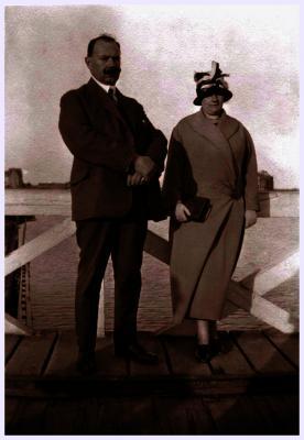 Arthur Zwaenepoel met echtgenote, 1947