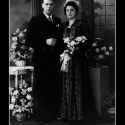 Huwelijk Medard Josef Geldhof - Maria Anna Van Iseghem, Ingelmunster, 1945