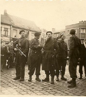 Bevrijders en verzetsmannen,  Izegem, 1944