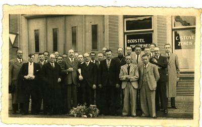 Groepsfoto Stovens Borstelfabriek, Izegem