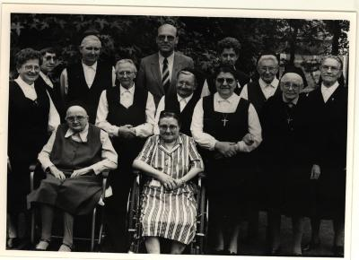 Groepsfoto zusters Kachtem