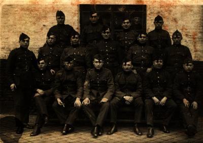 Groepsfoto soldaten Viktor Vandenaweele
