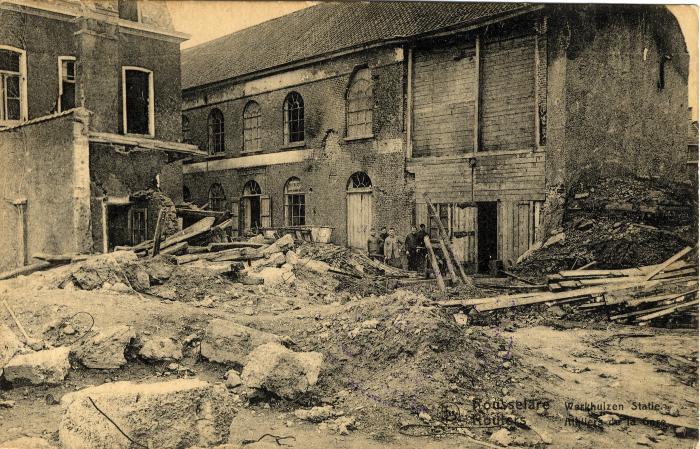 Werkhuizen van de Spoorwegen in puin