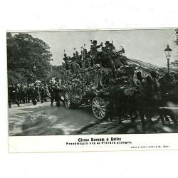 Postkaart van het Barnum en Bailey circus met praalwagen