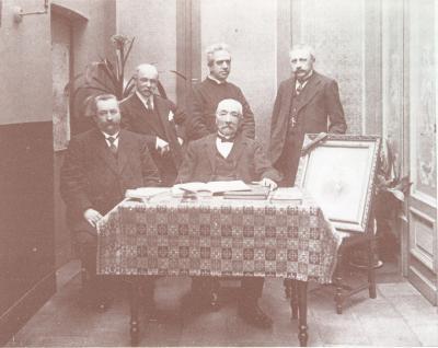 Groepsfoto met leden van comité, O.L.Vrouwparochie Roeselare