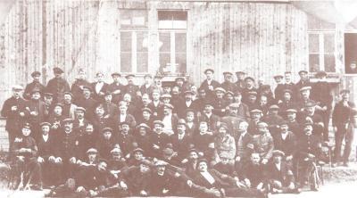 Groepsfoto met West-Vlamingen in Holzminden (D) 20 augustus 1916