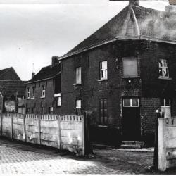 Baertshof wordt gesaneerd, Izegem, 1965