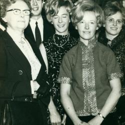 Opening winkel Dora Billiouw, Izegem, 1965