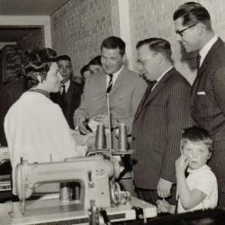 Modernisering in bedrijf Corteville, Izegem, 1965
