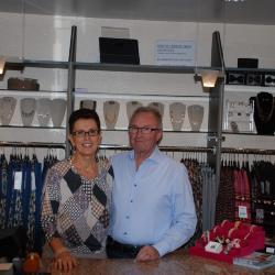 Derde generatie: Eddy Verlinde en Christine Decaesstecker, Kledingzaak Miatex, Moorslede