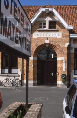 Ingang Moederhuis, 1997