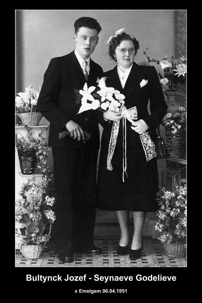 Huwelijksfoto Jozef Bultynck en Godelieve Seynaeve  Emelgem, 1951