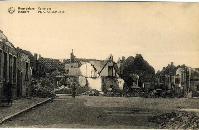 Huizen op het Sint-Michielsplein in puin