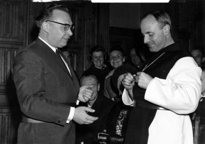 Foto aanstelling tot abt van Herman Jozef Seynaeve.