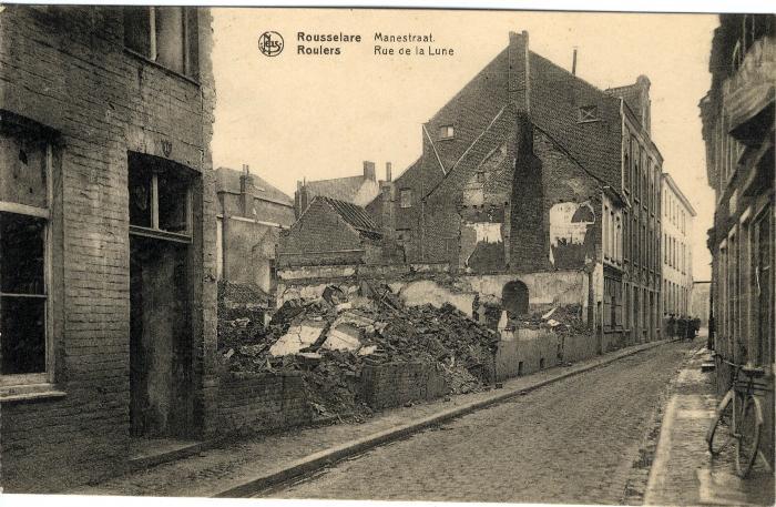 Huizen in puin in de Manestraat