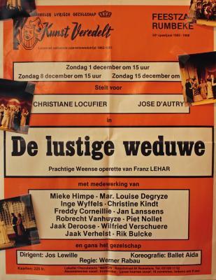 """Affiche van de Toneel- en Operetteopvoering """"De Lustige Weduwe"""" door het  Roeselaars Lyrisch Gezelschap """"Kunst Veredelt"""", Roeselare, 1985"""