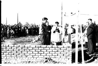 Eerste steenlegging Lourdesgrot, Izegem, 1959