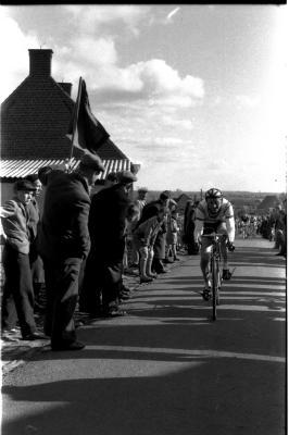 Wielerwedstrijd: Assez wint premie, Gits 1957