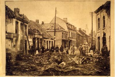Bominslag op het kruispunt van de Rumbeeksesteenweg en de Zuidstraat