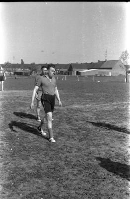 Gaston Verstraete tijdens voetbal, Izegem 1957