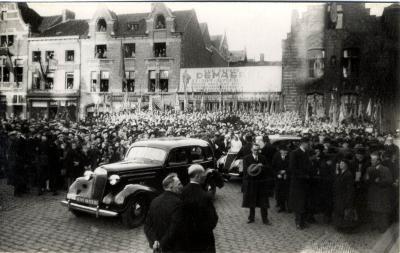 Menigte tijdens bezoek koning Leopold III, 1937