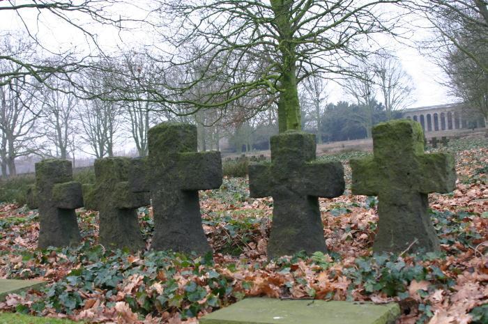 Kruisen op Duits militaire begraafplaats Hooglede
