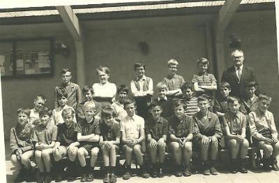 12 jarige jongens met meester Rodolf Callewaert, Gits