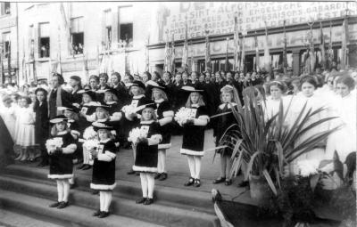 Stadspages tijdens bezoek koning Leopold III, 1937