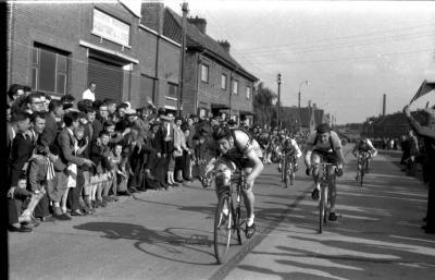 Wielerwedstrijd: Schreel wint, Roeselare 1957
