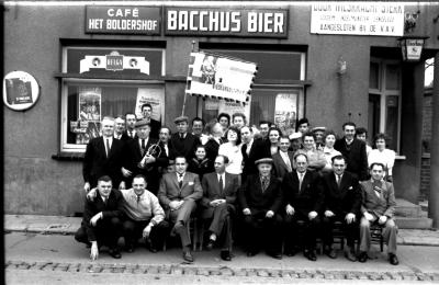 De Krispijnvrienden verzamelen in Boldershof, Ingelmunster, 1959
