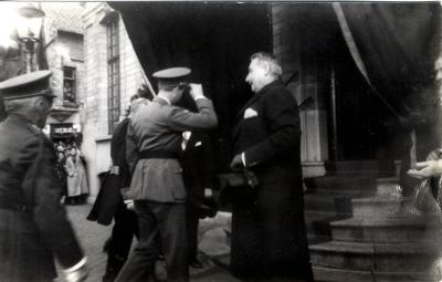 Aankomst koning Leopold III bij stadhuis Roeselare, 1937