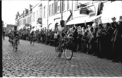 Wielerwedstrijd: Hendrix wint, Staden 1957