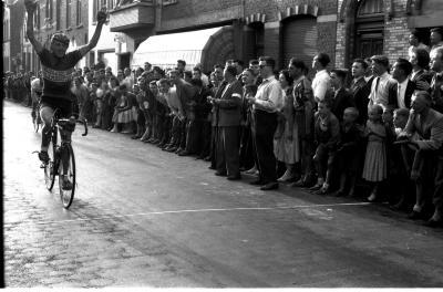 Wielerwedstrijd: Deboodt wint koers, Rumbeke 1957
