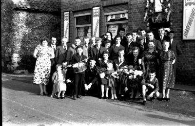"Kamioenviering café ""Het Brouwershof"", Izegem, 1959"