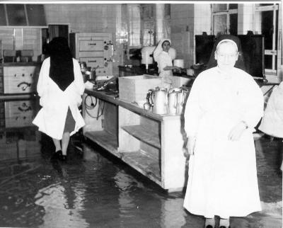 Overstroming Heilig-Hartkliniek, 1964-1965