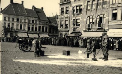 Oefening Passieve Luchtbescherming, zand strooien, 1938