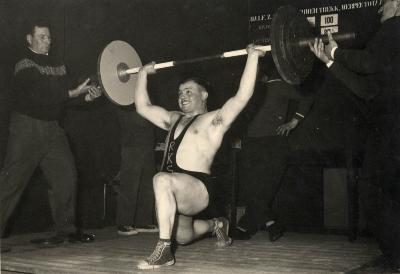 gewichtheffer Ivan Arteschene, jaren 1950