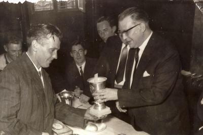 Trofee door Willy De Nolf aan K.S.W.B., 1959