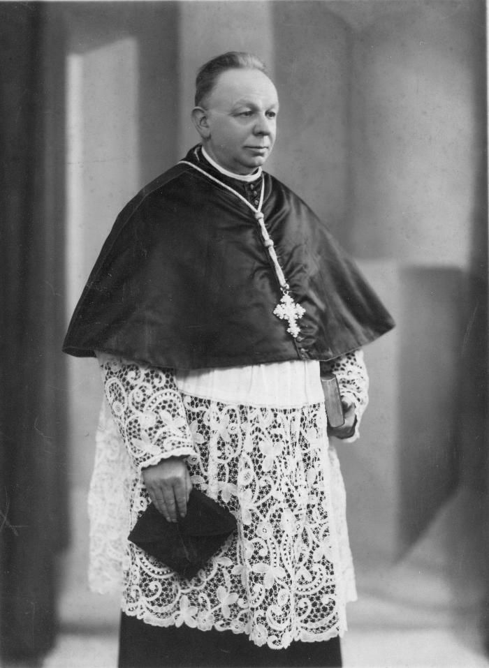 Deken Eduard De Saegher, 1937