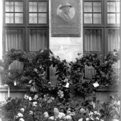 Onthulling gedenkplaat Emiel Duyvewaardt, 1927