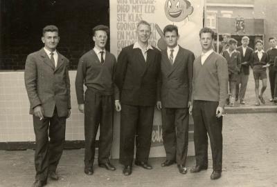 Stichter en eerste trainers turnclub Flink en Fris, 1959