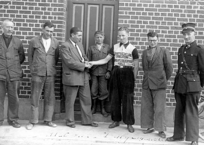 Huldiging Lucien Victor, kampioen van Vlaanderen, 1952