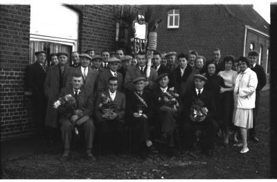 """Kampioenviering kaartersclub """"De Broederliefde"""" Ingelmunster, 5 december 1959"""