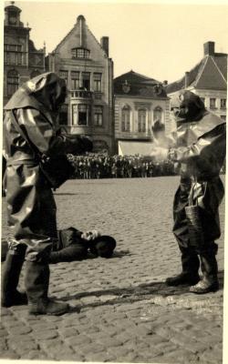 Oefening Passieve Luchtbescherming, een gewonde, 1938