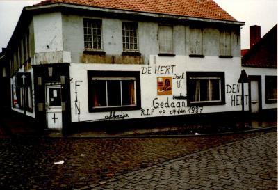 """Afbraak café """"De Hert"""", Gits, 1987"""