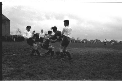 Voetbalmatch: Ledegem-St.-Eloois-Winkel, 1957
